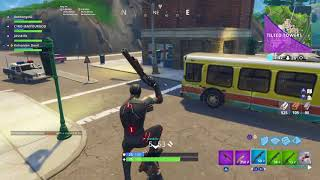 Fortnite Jav an me carry 2 4 year olds to their first win (emotional)