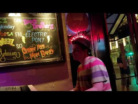 Live music downtown Denver Memorial Day Weekend 2018 :-) Colorado has it(1)