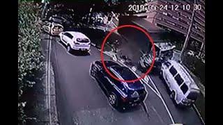 Video muestra el terrible accidente de El Poblado del que una motociclista se salvó de milagro