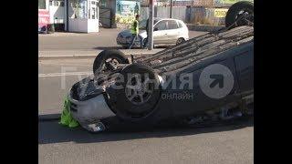 Машина хабаровского военнослужащего перевернулась после столкновения с «Приусом». Mestoprotv