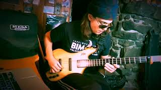 "Cody Wright plays a Zon VB4 ""Vinny"" Piccolo Bass"