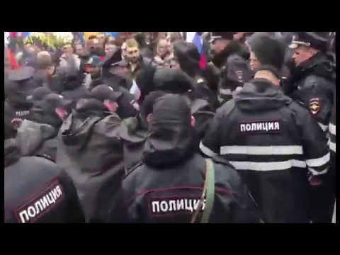 9 мая Драка армян и азеров на параде в Москве
