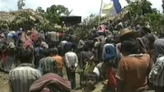 Repeat youtube video Resistir para Vivir (2 de 3) Las Comunidades de Población en Resistencia. CPRs