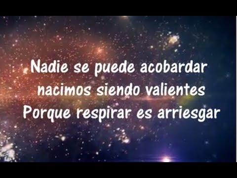 Calle 13 La Vida Respira El Momento Letra