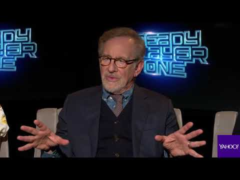 Spielberg chatting with Yahoo Entertainment