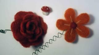 Primi lavori in lana infeltrita (chiacchiere)
