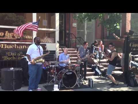 Street performers jamming on Newbury st.