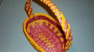 Плетение ручки для корзины из газетных трубочек