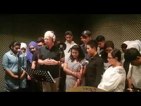 Image result for najib menyanyi