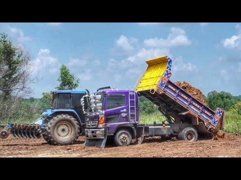 แทรกเตอร์ komatsu D20P รถไถ  แทรกเตอร์  New Holland TS90 ดันดิน เกรดดิน truck Thailand