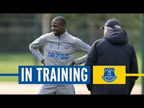 ABDOULAYE DOUCOURE STEPS UP RECOVERY AS LADS PREPARE FOR ASTON VILLA! | EVERTON IN TRAINING