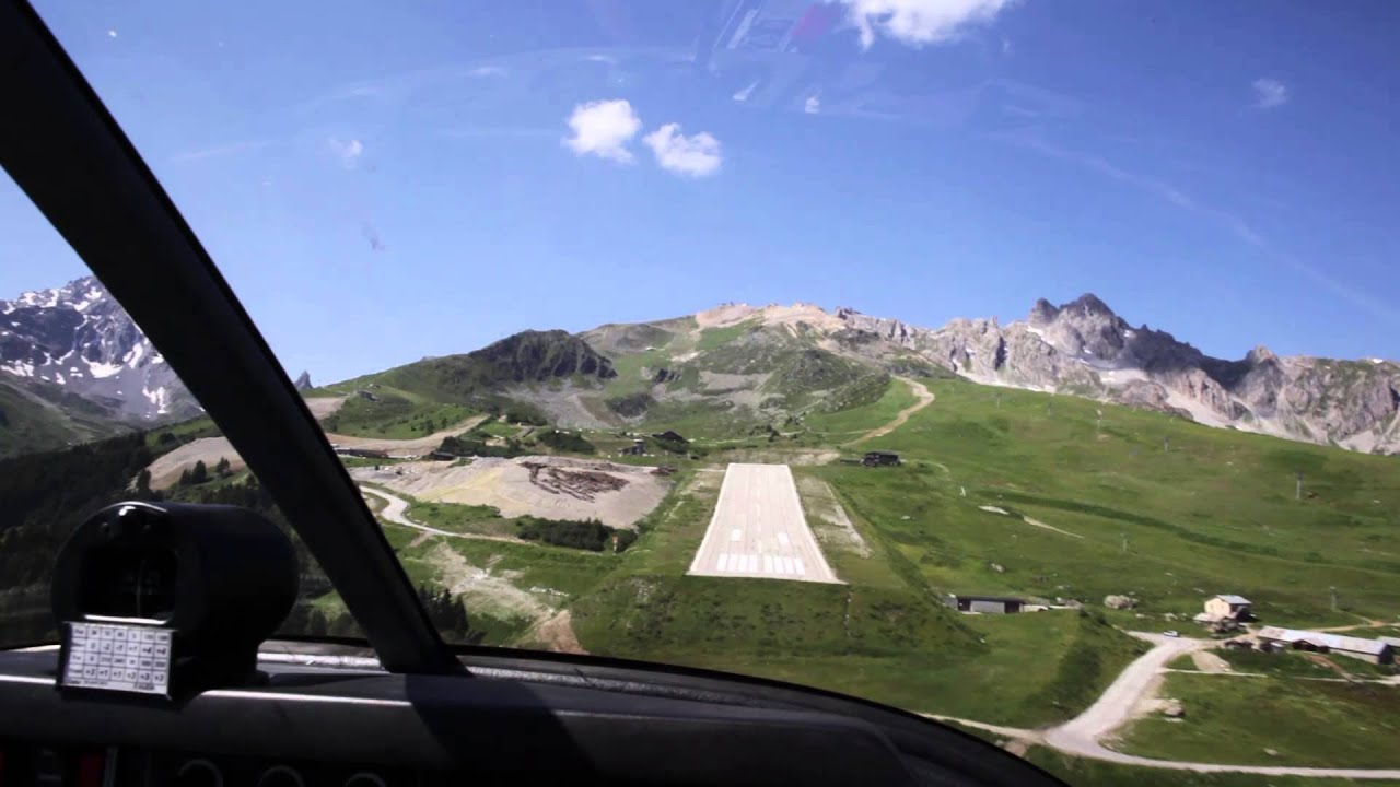 Landing in Courchevel airport HD 1080p - YouTube