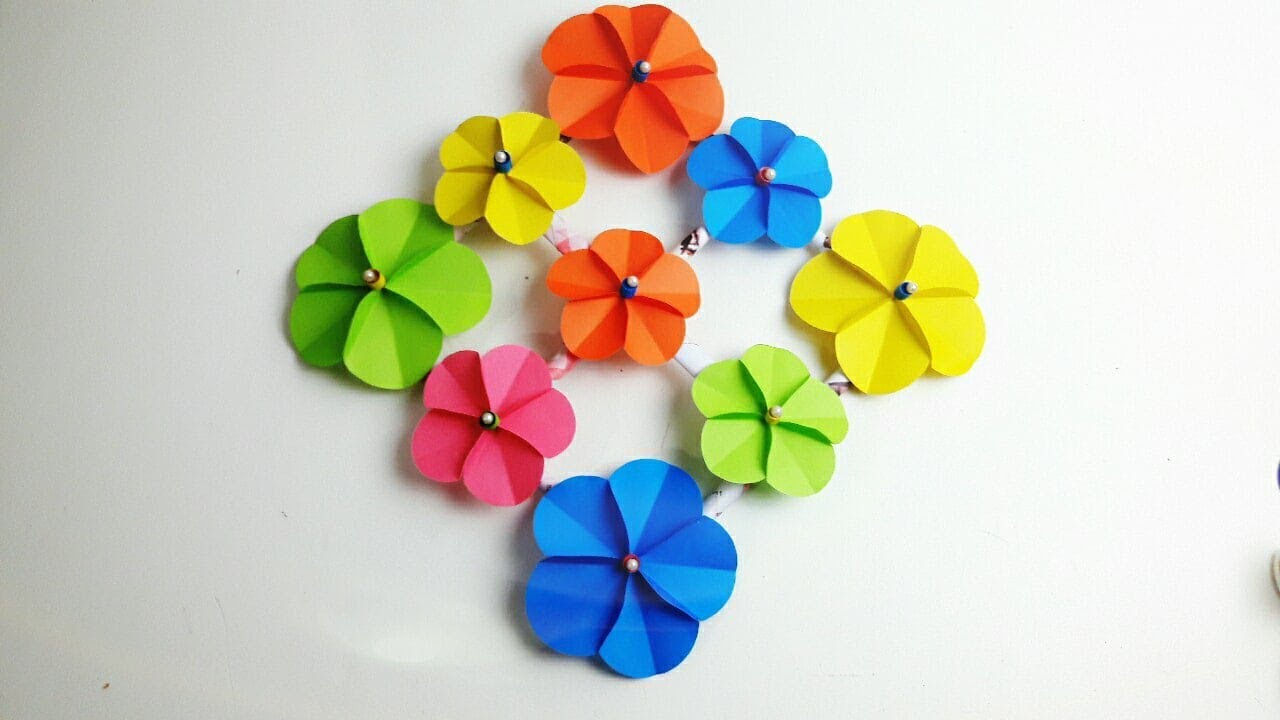 How To Make Easy Wall Hanging At Home Paper Flower Wall Hanging Diy Wall Decor For Living Room