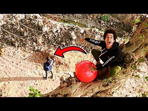 رميت على صاحبى بالونه مياه عملاقه وزنها 1000 كيلو من فوق الشجره !