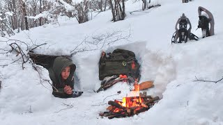 WINTER CAMPING in a SΝOW BUNKER - Cold Weather BUSHCRAFT - No Tent - Survival Shelter - Sub Zero