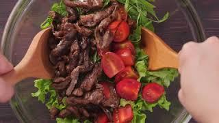 Теплый салат с рукколой и мясом