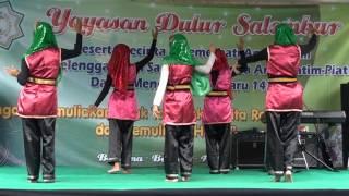 Tarian Wahdana anak yatim Yayasan Dulur Salembur
