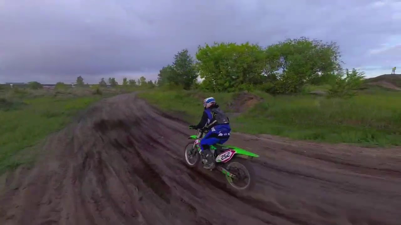Motocross from FPV drone. As close as possible! фото