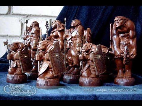 видео: Резные шахматы из дерева своими руками.