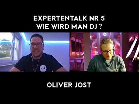 Die Frage aller Fragen: wie wird man DJ? Um diese Frage zu beantworten, hat DJ Vinzent Oliver Jost zum Expertentalk eingeladen, und das Ergebnis seht ihr ...