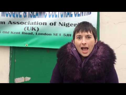 Caroline  Pidgeon visits a London mosque for Visit My Mosque day