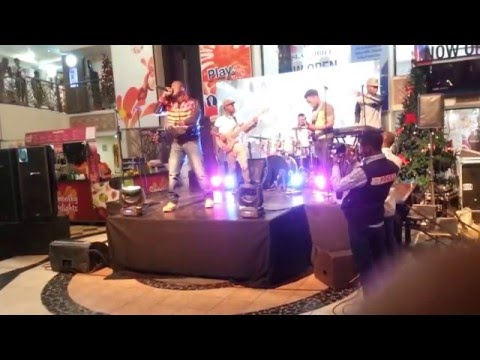 XL2LETTERS performs 'U KNOW WHERE 2 FIND ME' live at the Silverbird Galleria