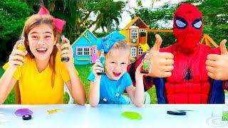 나스티아는 친구랑 슬라임시에서 놀고 있어요.어린이 비디오컬렉션