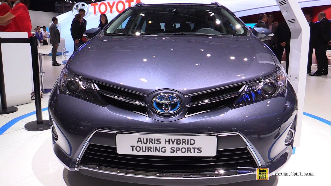 2015 toyota auris touring sports hybrid feel exterior and interior walkaround 2014 paris. Black Bedroom Furniture Sets. Home Design Ideas