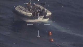 尖閣沖で中国漁船沈没 海上保安庁が乗員救助