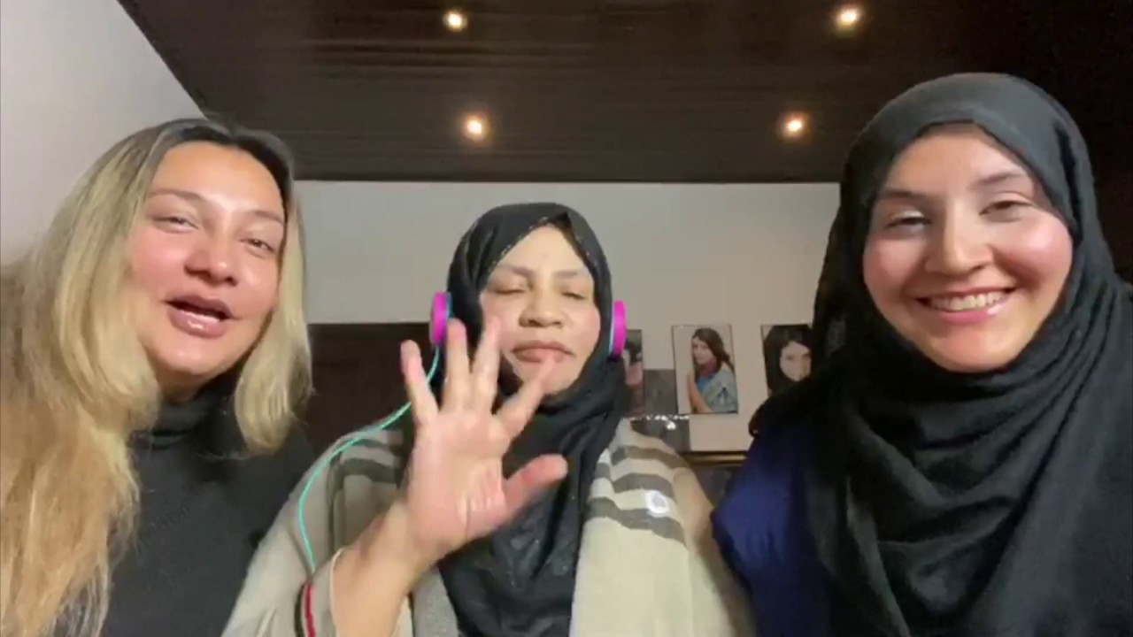 WHISPER CHALLENGE WITH NAFIA AND SOMAYA - FUNNY VIDEO!