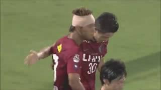 相手陣内でのボール奪取からゴール前でフリーになった安部 裕葵(鹿島)...