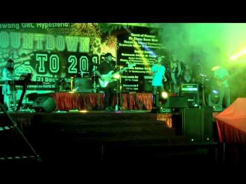 Au Revoir SG (ft. Hafiz) - Viva La Vida cover @ Hypesteria 2015