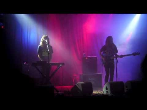 Telepathe - 'In Your Line' (Live at Paradiso, Amsterdam oktober 14th 2015) HQ