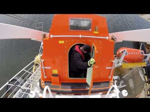 Free-fall Lifeboat launch - NSCC Nautical Institute 2014