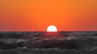 Golden Sunrise - Nature Relaxation Video - Relaxing Sea Ocean Waves Sounds | Chilli News