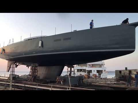 Как строят яхты_Спуск на воду яхты проекта КА80 в Египте_TONGA Yacht_launching At Egypt Shipyard