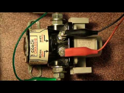 What is a latching relay in an RV battery? - YouTube