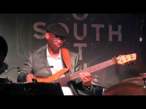Jeff Lorber performs