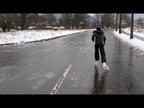 Гололед на дороге. УЖАС. По трассе на коньках.
