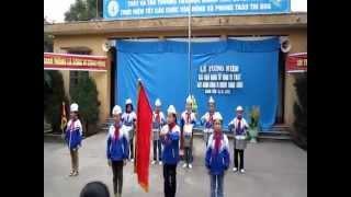 Chào cờ trước Lễ tưởng niệm các nạn nhân tử vong vì TNGT 2012