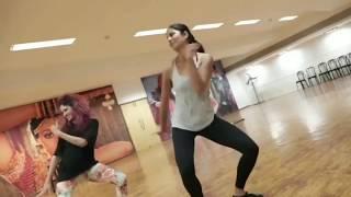 Download Video Salman khan touch Katrina kaif boobs video gone viral MP3 3GP MP4
