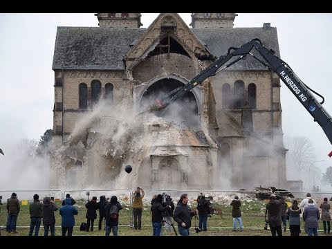 Demolishing a German church - 2018