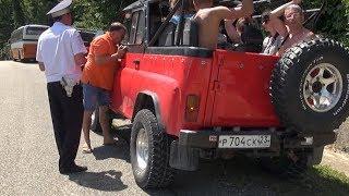 Водителей внедорожников проверяет полиция в Геленджике