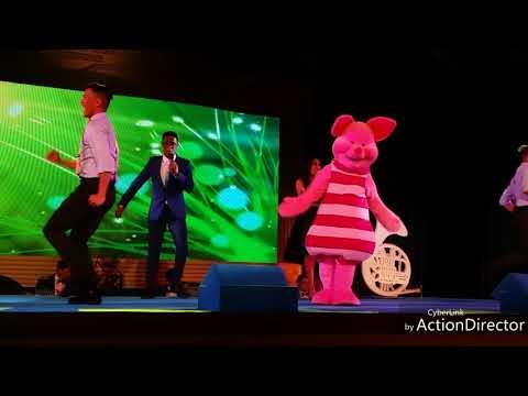 "Hong Kong Disneyland Magic Access Show ""A Whole New World"" A Magical Disney Songbook"