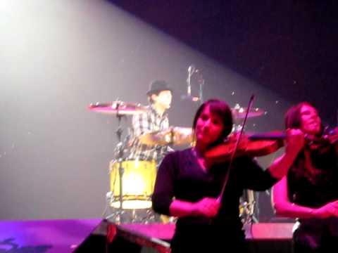 "Jonas Brothers ""Video Girl"" World Tour 2009 Italy"