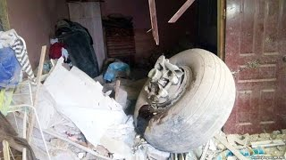 Авиакатастрофа под Бишкеком: среди жертв - 13 детей(Десятки людей погибли в результате крушения грузового самолета Boeing 747 недалеко от Бишкека, сообщает МЧС..., 2017-01-16T10:09:41.000Z)