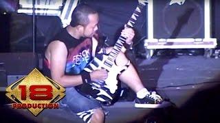 Pas Band - Malam Tetaplah Malam  (Live Konser Jember 10 September 2011)