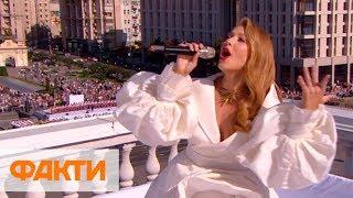 Подпевающий Зеленский, Тина Кароль на крыше консерватории и гимн Украины под рэп Алины Паш