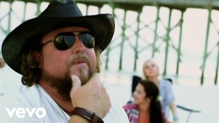Смотреть клип Colt Ford Ft. Walker Hayes - Dirty Side