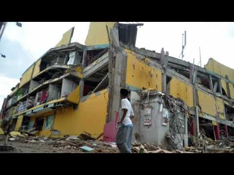 Earthquake-spawned tsunami slams Palu, Indonesia